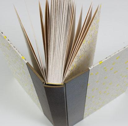 Hardcover-journal-detail02